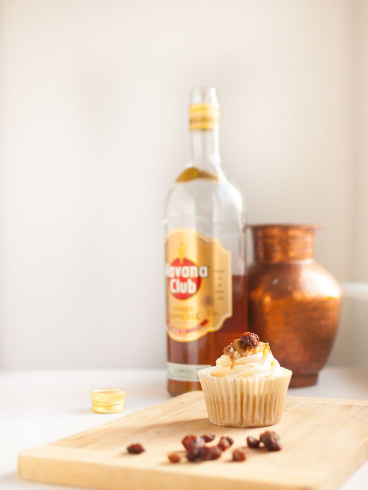 Preparing to release my new Cocktail Cupcake Menu! Rum & Raisin Cupcake by Cake Me! Oslo  www.facebook.com/cakemeoslo or email at cakemeoslo@gmail.com for enquiries or orders