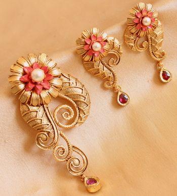 Designer real kundan semiprecious stones pendant set with 10mg