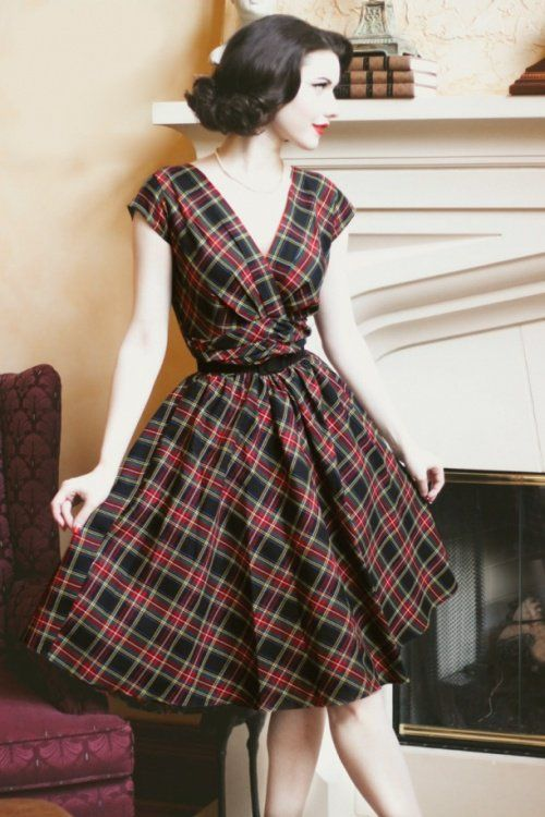 Retrolicious - 50s Eleanor Swing Dress in Tartan