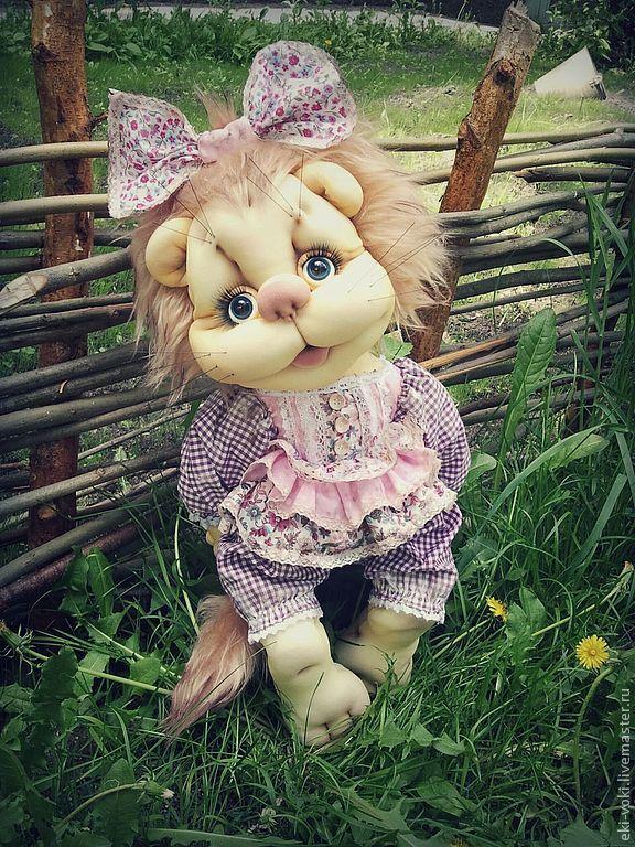 http://cs2.livemaster.ru/foto/large/c2312806005-kukly-igrushki-tekstilnaya-koshechka-marta-n3418.jpg