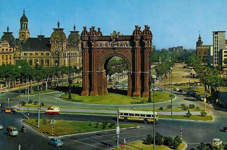 BARCELOFÍLIA: Fort Pienc. 1965.- Vista del Salón Víctor Pradera des de l'Arc de Triomf.