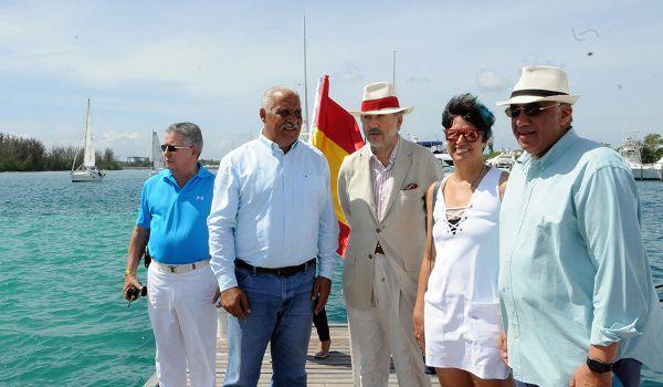 Ministro llama al sector turístico apoyar más los deportes acuáticos