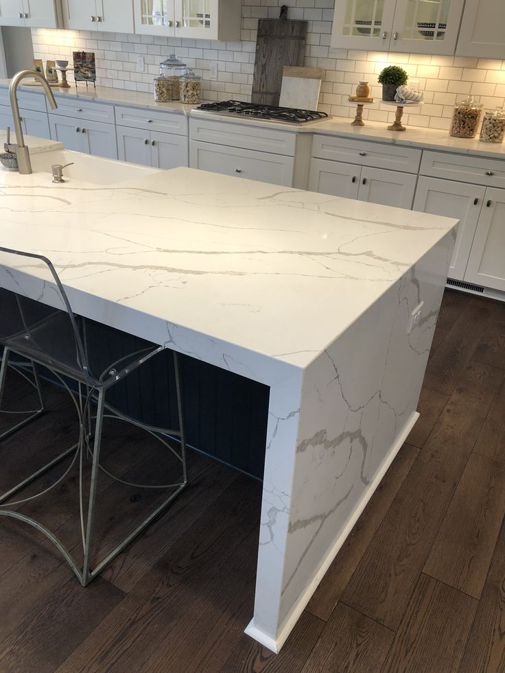 CALACATTA LAZA QUARTZ SOLID SURFACE TOPS In 2019