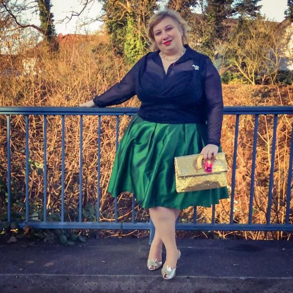 New Year's Eve – Hostess with the Mostest   Miss Kittenheel vintage plussize pinup LindyBop Dorelia Ophelia Marnie taffeta skirt