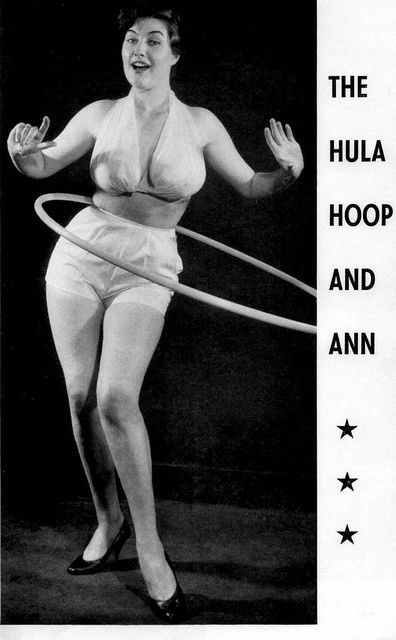 Naked hula hoop girls from Yutain