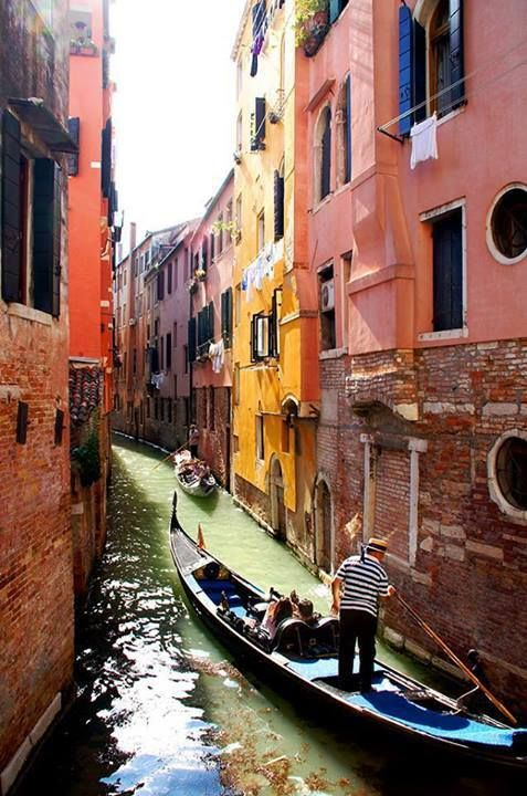 #Venice -> 3 Easy Weekend Getaways in Europe