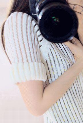 Today's Hot Pick :◆时尚性感◆镂空条纹长款纯色开衫 http://fashionstylep.com/P0000KLB/marlangrouge/out 设计理念——以针织的柔美质感衬托出温柔女人味,简约的风格之中融入条纹镂空设 计,在长款的剪裁中更加突出身材的修长纤细~ 推荐理由——舒适的面料简约的长款版型,适合任何搭配,随性经典,可说是衣橱必 备单品~镂空的融入以条纹的形态呈现,完美而流畅的线条很好的衬托出女性身体的 优雅曲线~长款的剪裁彰显你的高贵气质~ 搭配建议——绝对是气质系MM的外搭必备款,可随心百搭,时尚由您掌控! -开衫- -长款- -镂空条纹- -纯色-