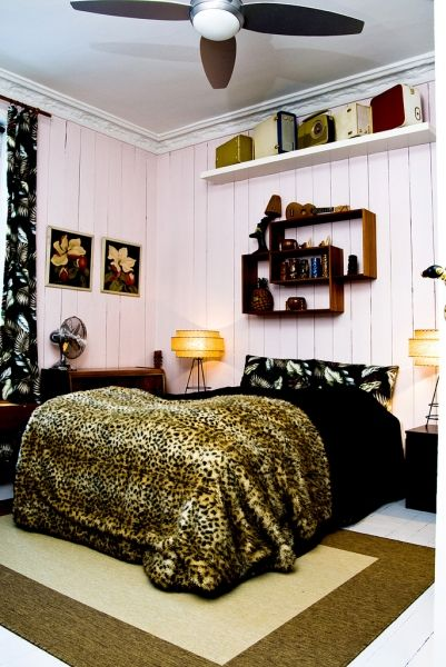 A rockabilly home | Ideas To Steal    This home is PERFECT. Get in my life.