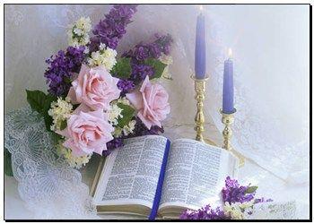 Poster - bíblia aberta, azul, velas, e, buquet, de, cor-de-rosa, e, flores roxas kr123939 - impressões de foto artística, impressões de telas, decoração de parede, galeria de impressões, murais - kr123939.JPG