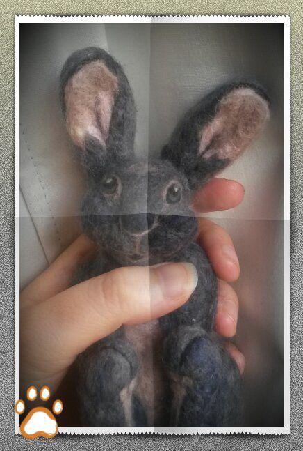 Photo tutorial for needle felt bunny