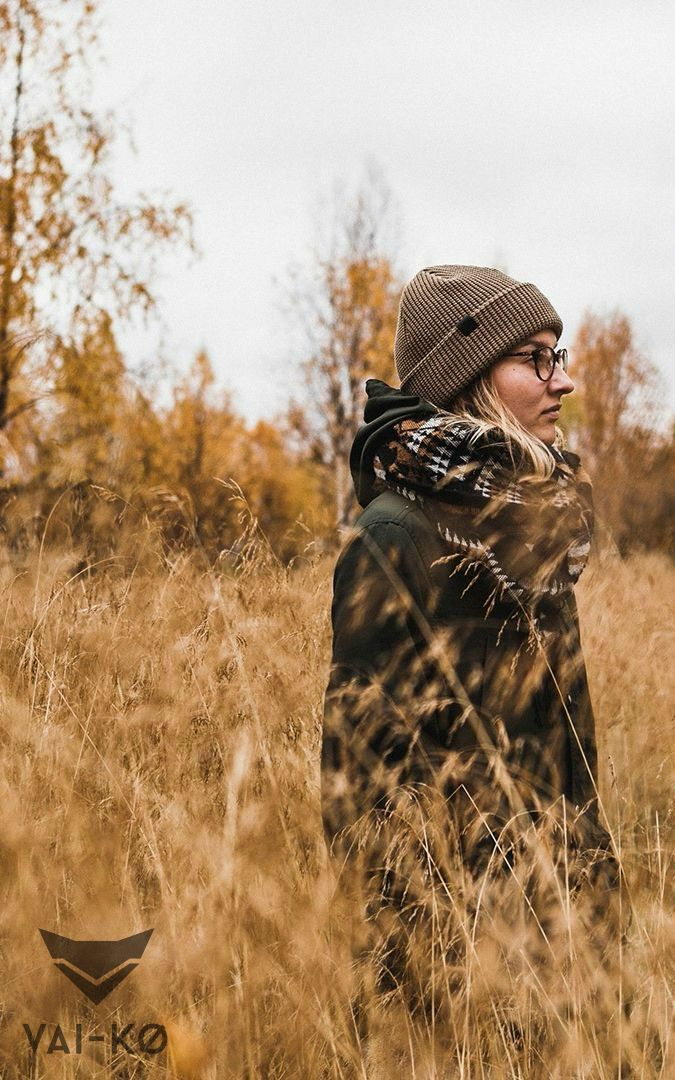 Cozy Fall Look in Neutral Tones. Organic merino wool beanie by VAI-KØ.