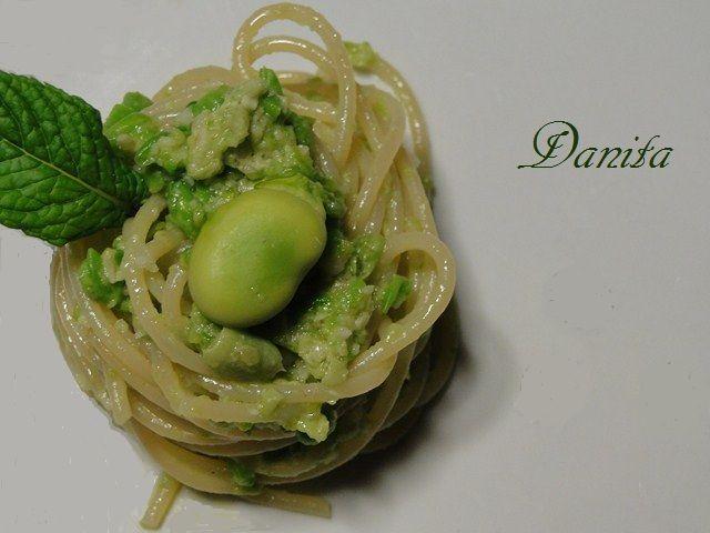 Le leccornie di Danita: Spaghetti con pesto di fave