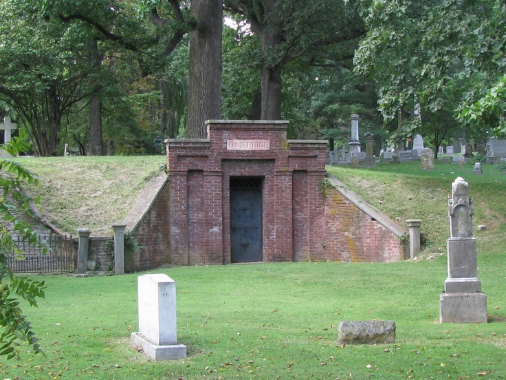 Grave Interest Mausoleums Crypts And Tombs Oh My