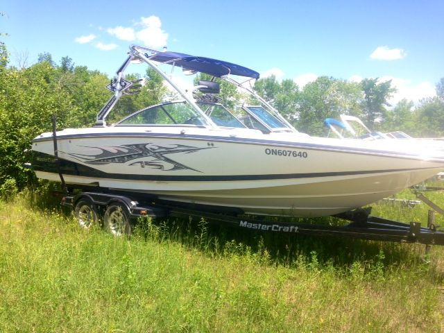 Love MasterCraft boats but can't swing the prices of brand new 2015's? Don't worry we have the boat for you! Our X45 is in amazing condition and still gives an awesome wake for all your water sport needs. To get further information on this boat call us at our toll free number 1-844-855-6789 or visit our website www.muskokaboatgallery.com