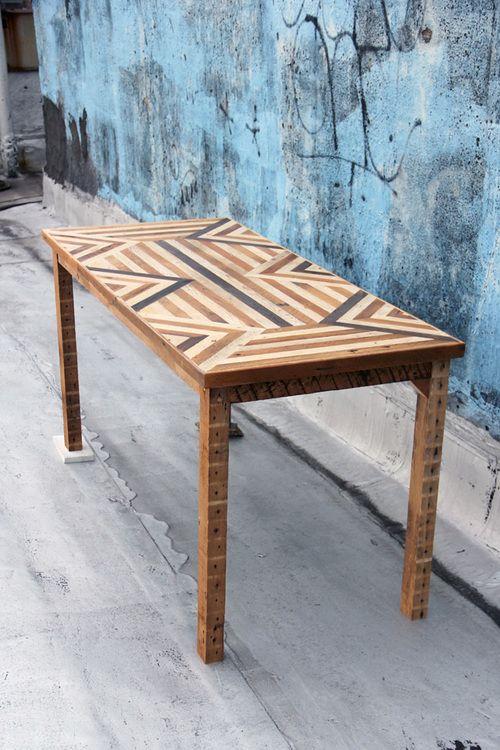 Need an #ArielAlasko Table in my lifeeee http://www.arielealasko.com/tables/