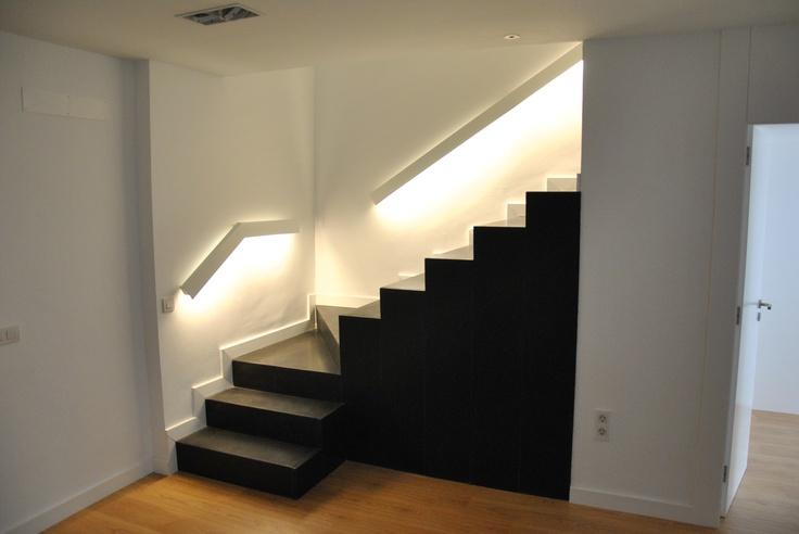 Escalera iluminaci n pasamanos ideas para la casa - Iluminacion de escaleras ...