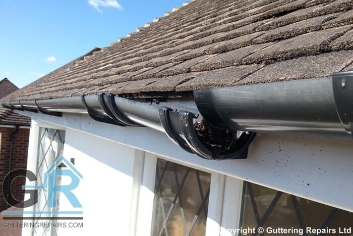 Gutter Replacement Installation Repairs Northside Brisbane How To Install Gutters Solar Panels Roof Roofing