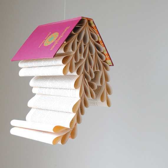 gorgeous hardcovers books made into super interesting mobiles.Crafts Ideas, Book Art, Book Mobiles, Book Book, Book Nooks, Diy Book, Reading Nooks, Bookmobile Thre Kingdom, Kids Book