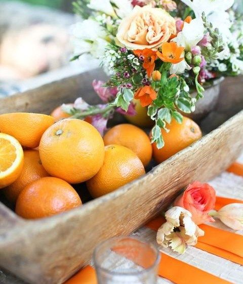 Whether you're planning a tropical wedding, a seaside or a beach one, or just want to find some fun summer wedding theme, pick citrus! Citruses are fun and bright, perfect for vivacious décor...