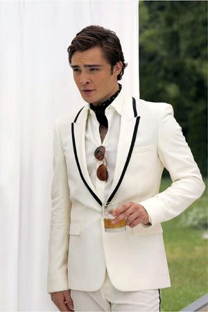Chuck Bass at the White Party (Gossip Girl Season 2). One of my all-time favorite Chuck suits...I love white.