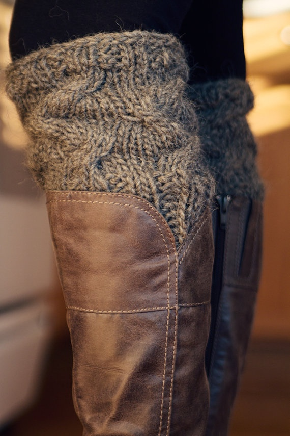 knitting pattern for boot cuffs. Never did a cable stitch before. Pinning this to look for a different pattern.