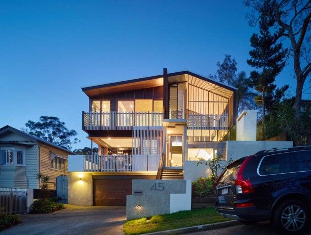 Shaun Lockyer Architects design a house on a steep, inner-city street in Brisbane
