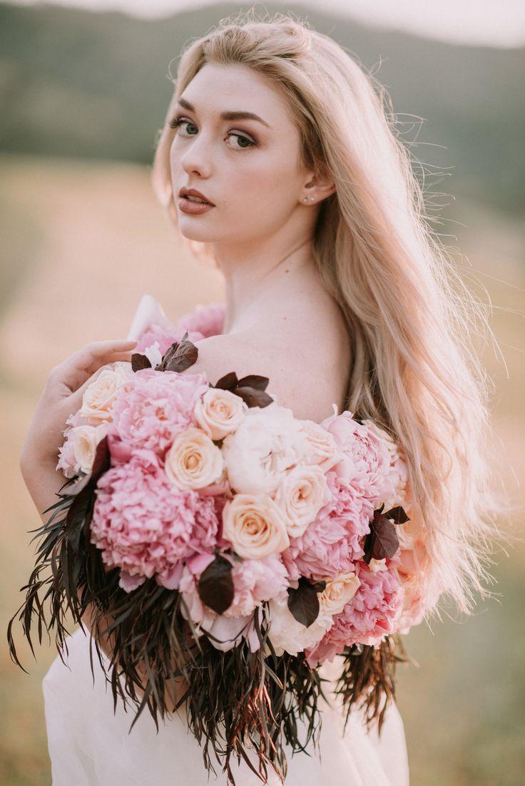 Mejores 9 imágenes de Bodacious Blooms Peonies in Wedding Bouquets ...