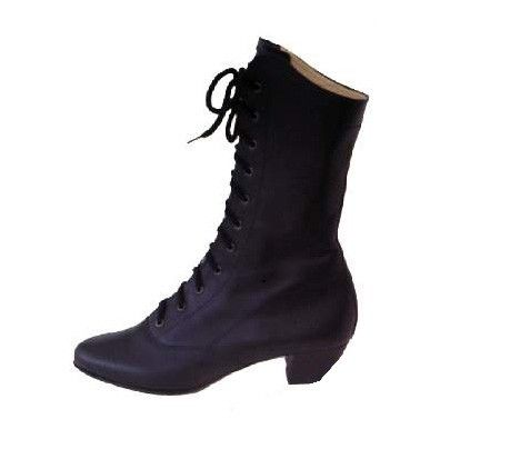 Polish Art Center - Women's Black Leather Dance Boots. I want a pair so bad!