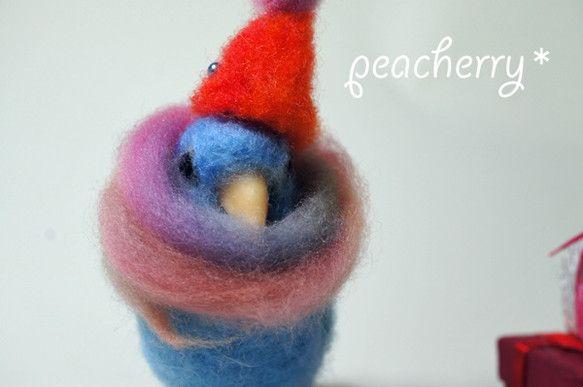 羊毛でブルーのマメルリハを作りました。帽子をつけてほしいというお客様の要望で小さな赤い帽子とマメルリハには長すぎるほどのマフラーを付けています。もちろん両方外...|ハンドメイド、手作り、手仕事品の通販・販売・購入ならCreema。