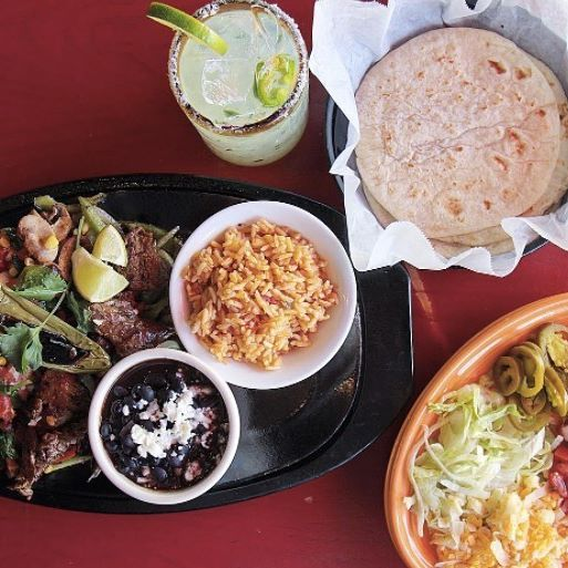 We like our fajitas like we like our margaritas - together. Indulge at #pacostacosandtequila this weekend! #SpecialtyShopsSouthPark #Delish #margaritas #fajitas
