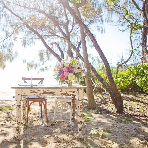 Noosa Beach Wedding. Image: @lovebirdweddings via Instagram. #visitnoosa #noosa #noosawedding #beachwedding #wedding