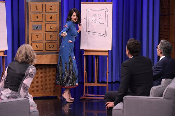 """Shailene Woodley Photos Photos - Shailene Woodley Visits """"The Tonight Show Starring Jimmy Fallon"""" at NBC Studios on March 14, 2016 in New York City. - Shailene Woodley Visits 'The Tonight Show Starring Jimmy Fallon'"""