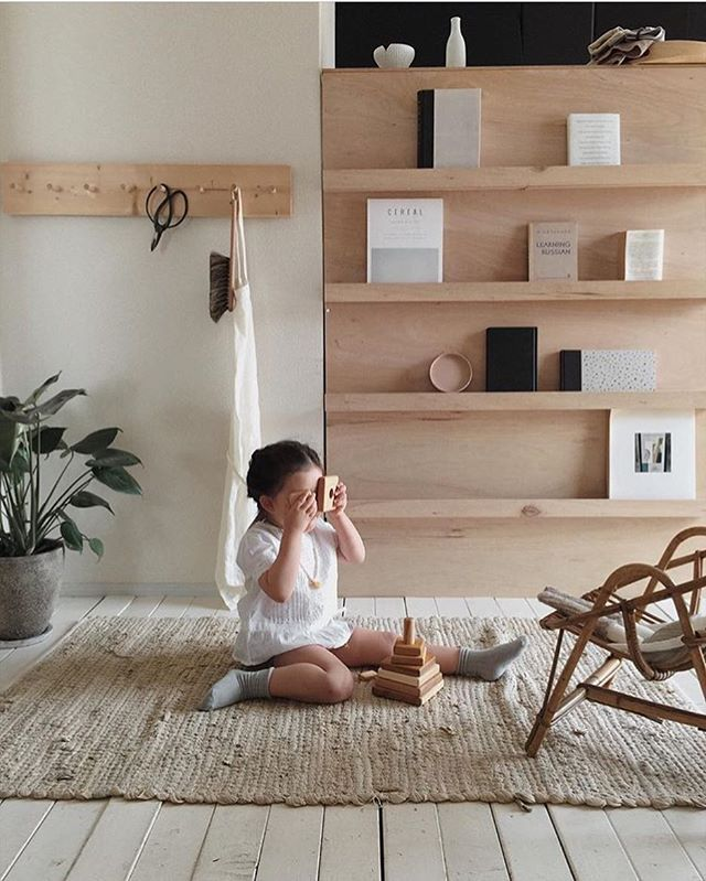 I spy with my little eye... 💛🌿 #natural #wooden #pyramid ✨ @kon_tam 💙 #lovelyspace #homeinterior #homedecor #woodenstory #woodentoy #woodenstacker #timelesstoys #designtoys #minimaltoys #childhoodunplugged #ecoliving #heirloomtoys #ecotoys #ecocertified #fsccertified #organic #greentoys #minimalisticdesign #waldorftoys #montessoritoys
