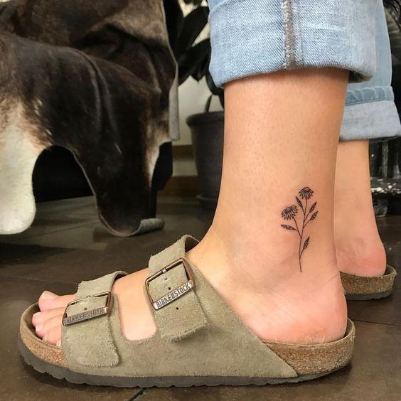 45 modèle de tatouage de petites fleurs