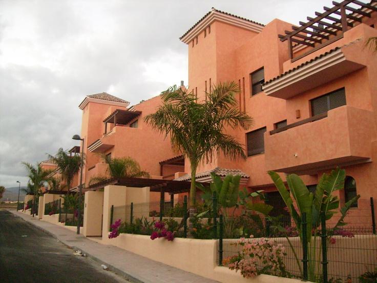 #Edificios #Rustico #Balcon #Exterior #Jardín #Plantas #Ventanas #Muebles de exterior #Fachada