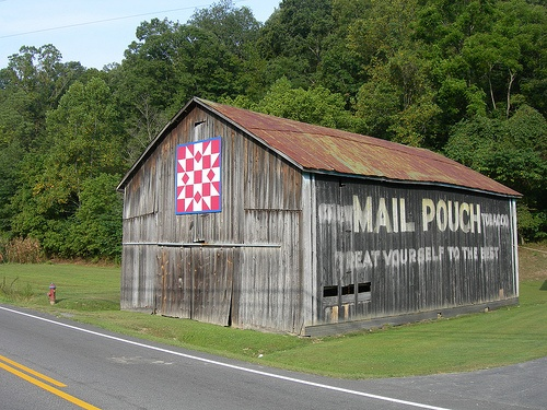 Mail Pouch Barn on KY 36 in Menifee, KY, by jimmywayne, via Flickr