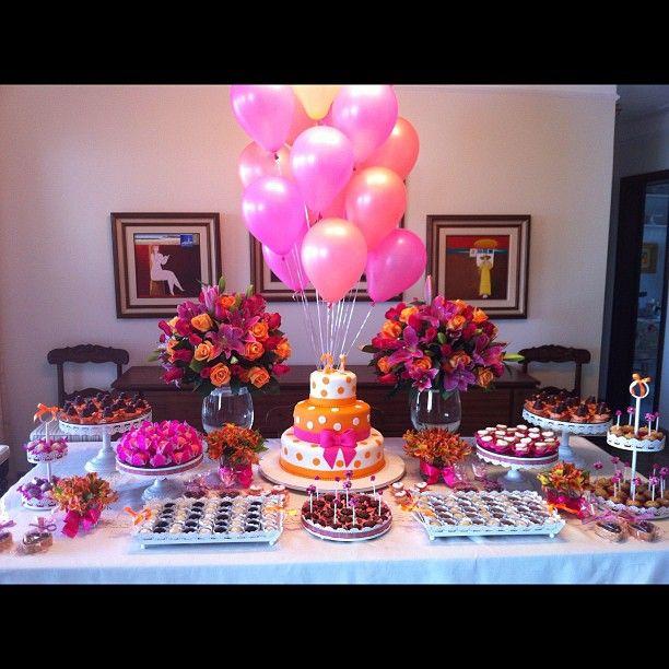 Arranjos de balões simples festa para adolescentes de Priscila Diniz