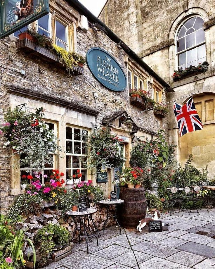 🍁The historic market town of Corsham in Wiltshire🍁 @postcardsbyhannah on Instagram VisitWiltshire