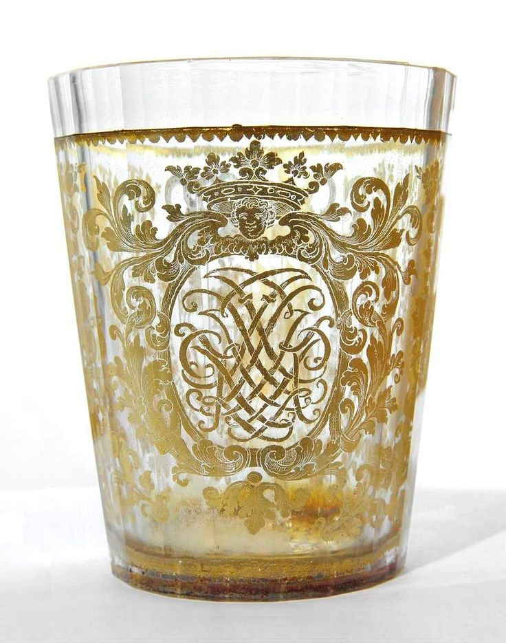 A gold leaf glass of Prince Jakub Ludwik Sobieski with monogram JLKP and the chain of the Order of the Golden Fleece by Anonymous from Poland or Silesia, before 1720, Muzeum Pałacu Króla Jana III w Wilanowie