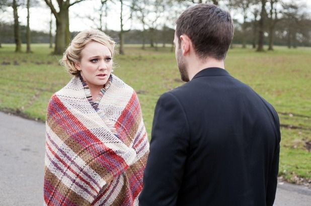 Tonight on E4's First Look and Tomorrow C4: Cameron exposes Ziggy and Tegan's secret- Leela is held by Cameron #Hollyoaks @KirstyLPorter @CammyMoore 2