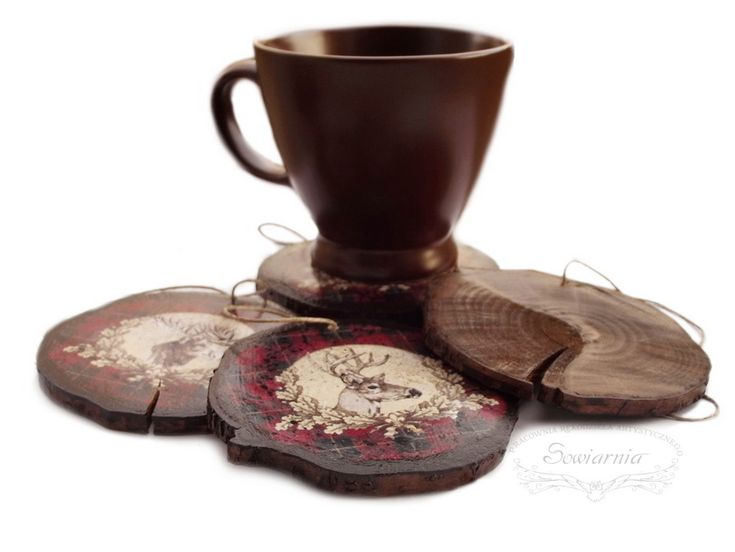 Set of 4 wooden ornaments or coasters