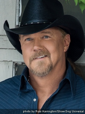 "Trace Adkins jokes that his new album is geared towards trying to ""sell records to chicks."""