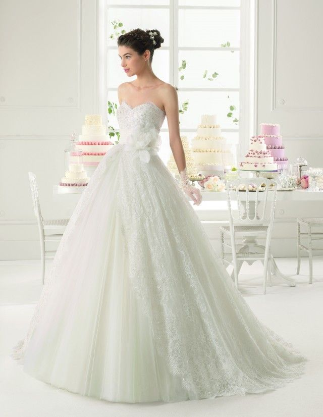 Sleeved lace wedding dress rosa clara bubble skirt tutorial