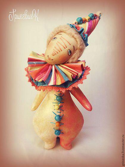 "Скоморох ""Радужка"" - скоморох,клоун,шут,текстильная кукла,интерьерная кукла"