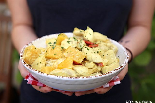 Poulet à l'ananas, curry et lait de coco
