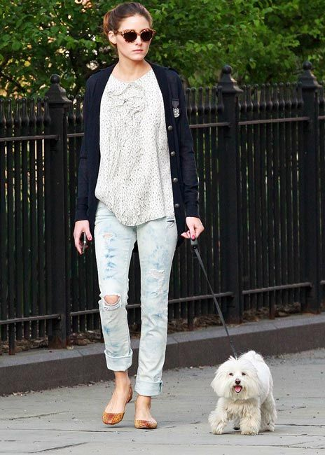 .: Celebrity Style, Dogs Walks, Denim Style, Street Style, Casual, Style Icons, Olivia Palermo, Boyfriends Jeans, Celebrity Dogs