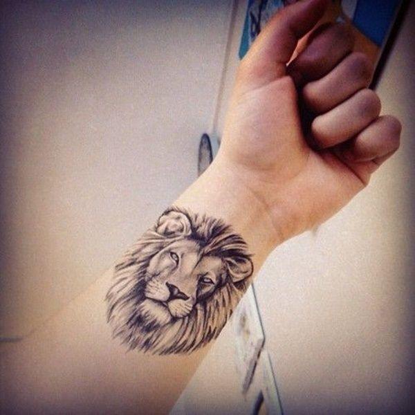 Lion tattoo zart