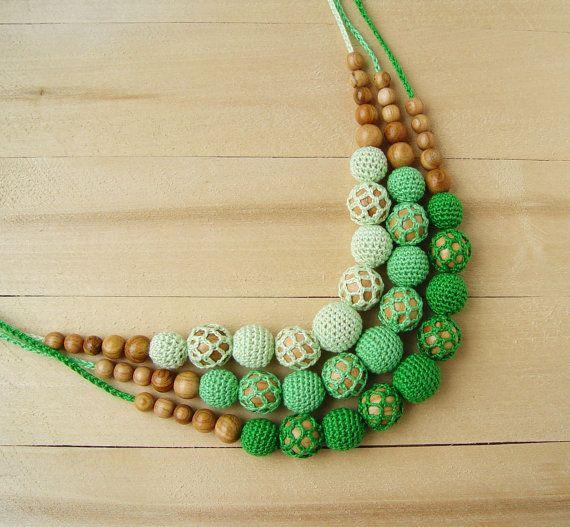 Verde de enfermería dentición madera Crochet collar por NittoMiton
