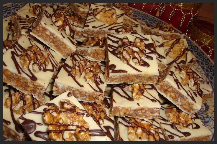 Deze koekjes heb ik gebaseerd op de marmerkoekjes die ook op mijn blog staan. Heerlijke koekjes met chocolade en noten (walnoot, pinda en a...