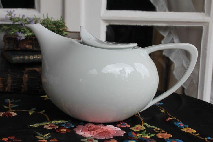 Porcelana ❀ Bule Aladin - Bule em porcelana com um design muito sofisticado e elegante. Combina muito bem associado a qualquer tipo de acessório, desde o mais clássico ao contemporâneo. Inspired by Lemon